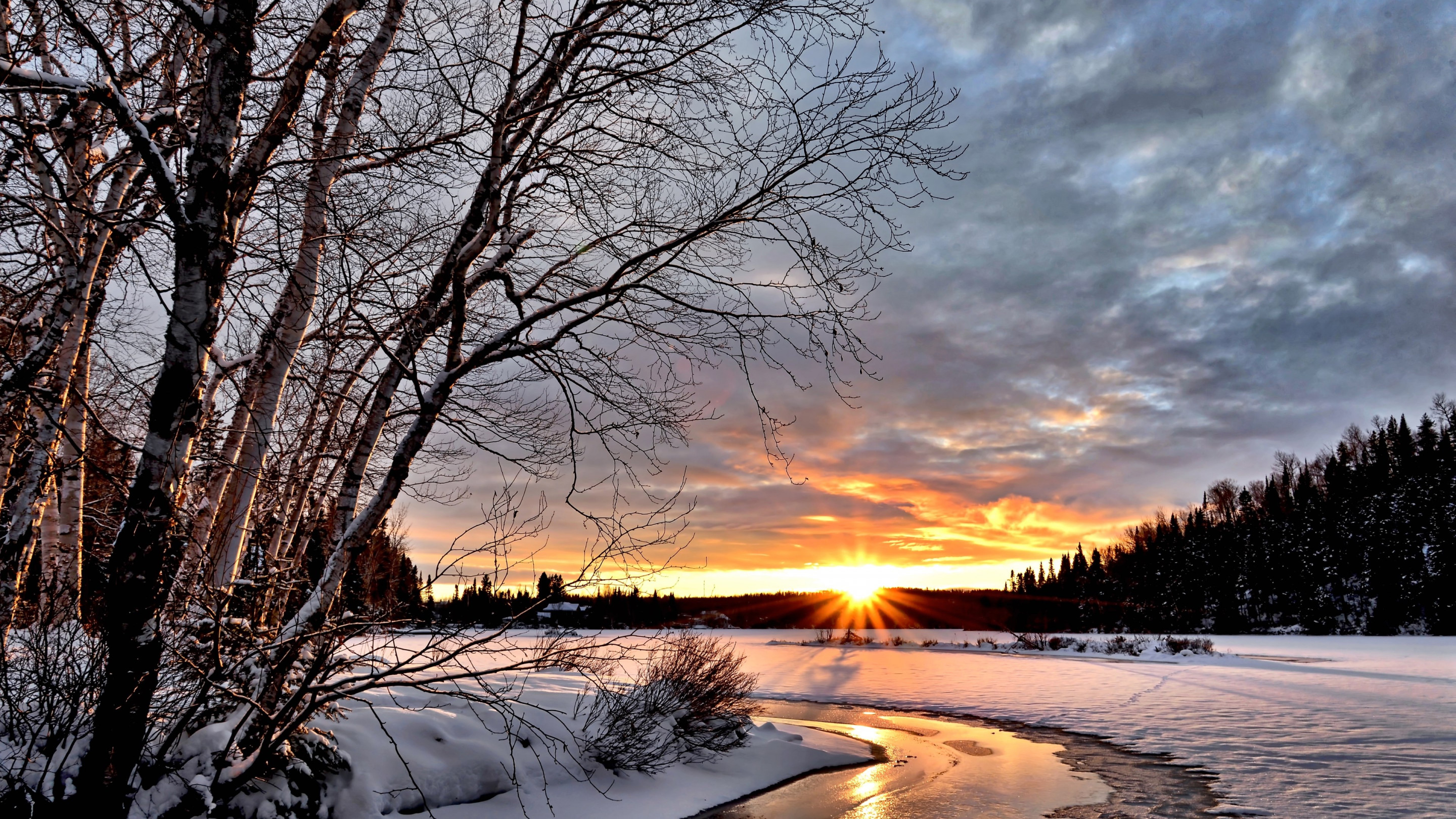 Sunset over the Winter landscape wallpaper 2880x1620