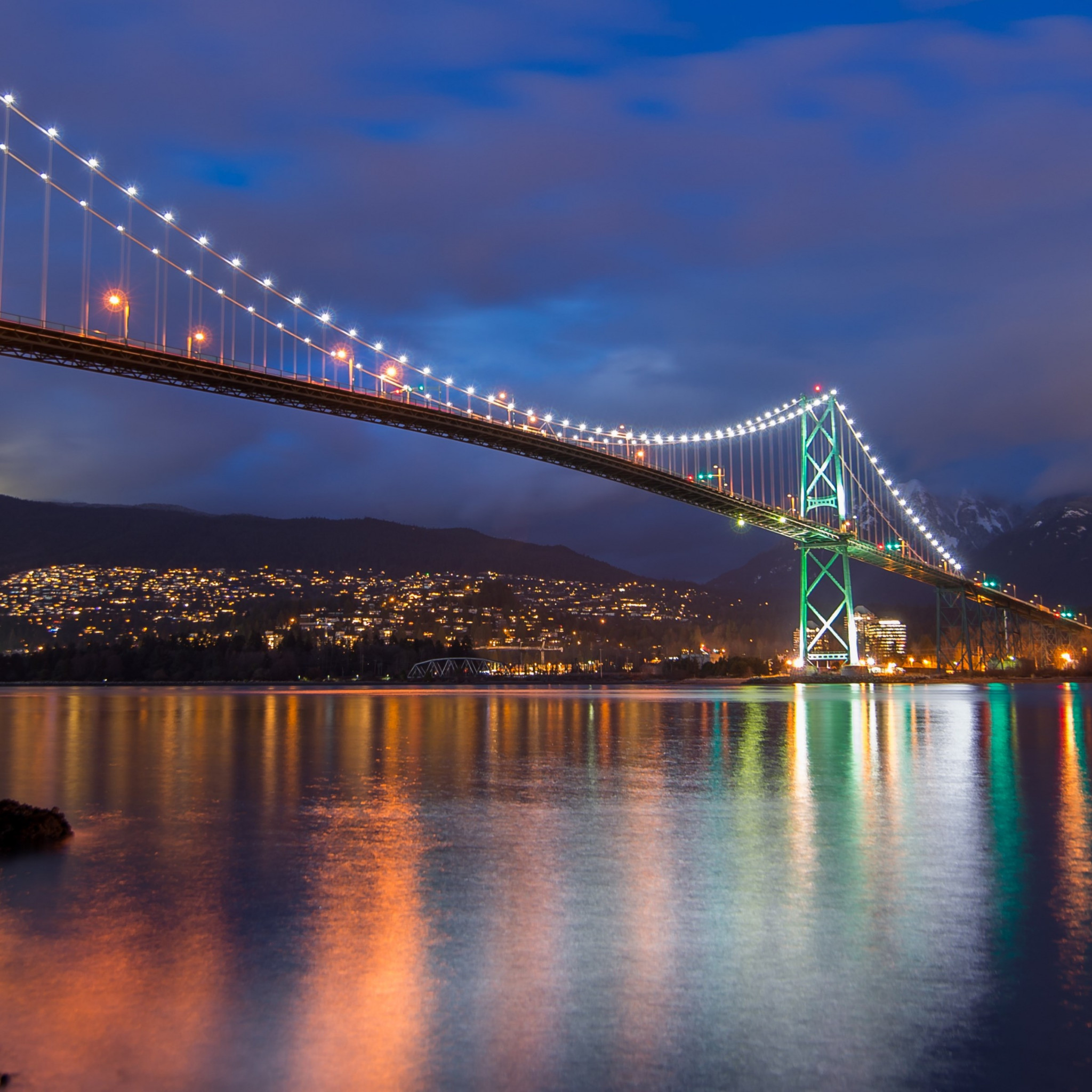 Lions Gate Bridge, Burrard Inlet, British Columbia | 2048x2048 wallpaper