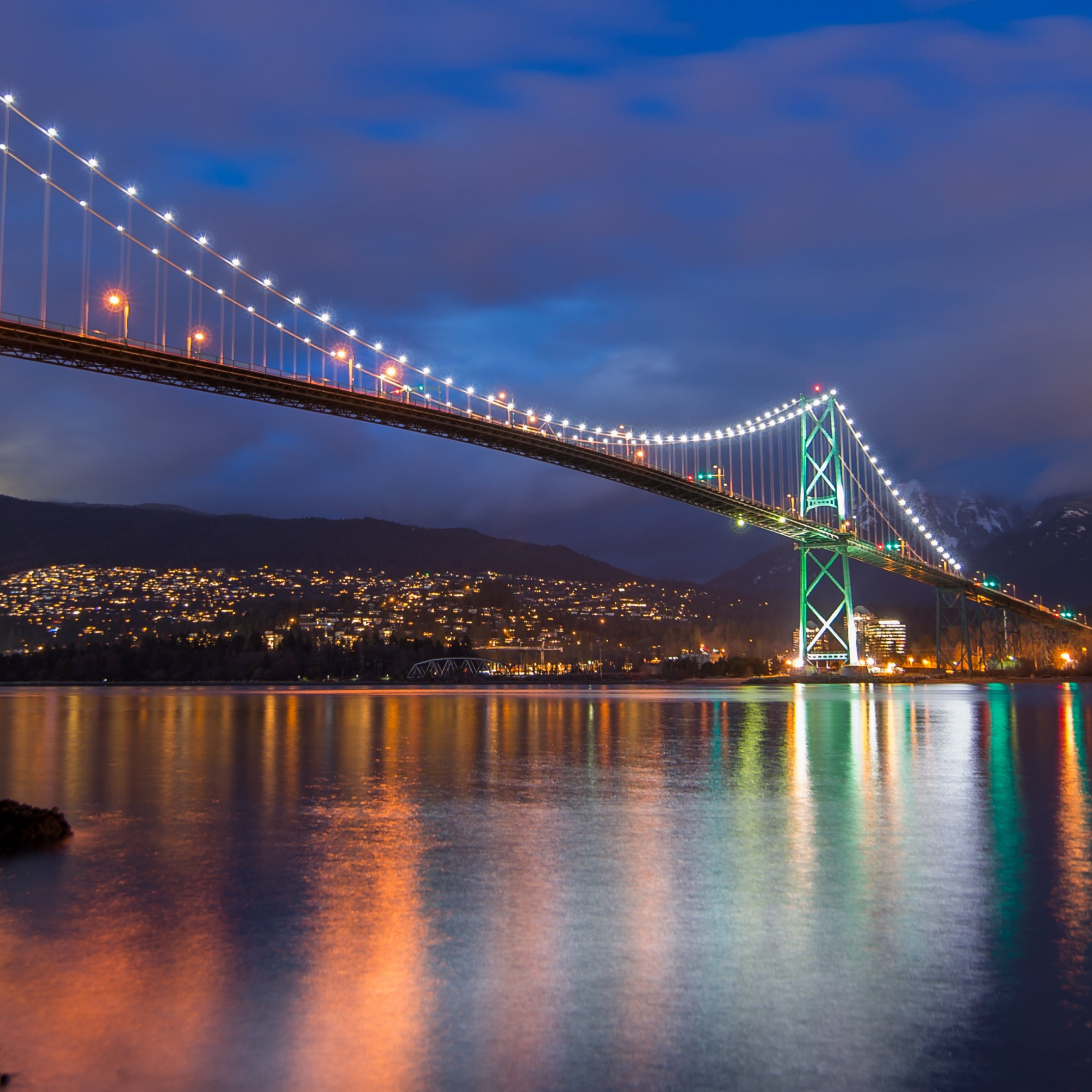 Lions Gate Bridge, Burrard Inlet, British Columbia | 2224x2224 wallpaper
