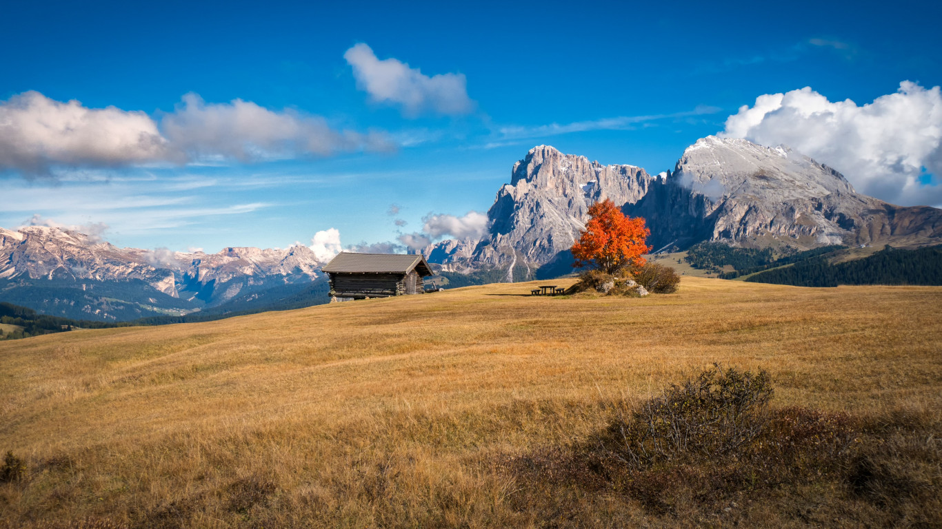 Perfect Autumn landscape from South Tyrol wallpaper 1366x768