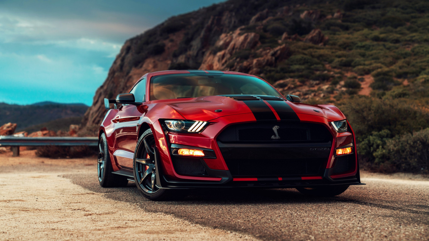 Ford Mustang Shelby GT500 wallpaper 1366x768