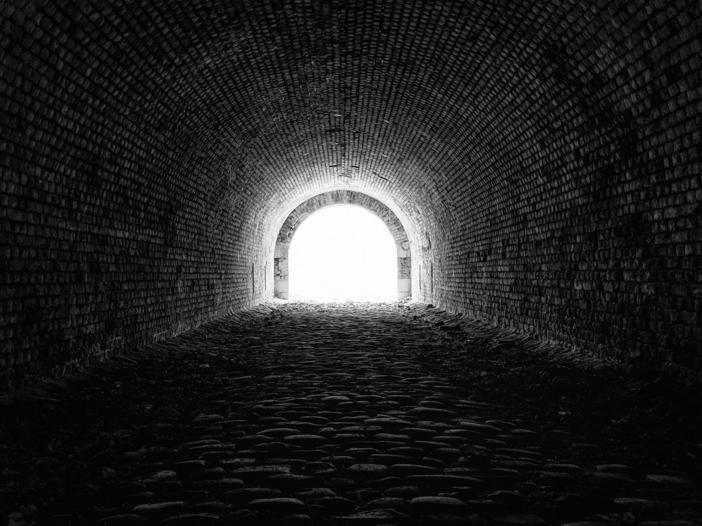 Light at the end of the tunnel wallpaper 1024x768