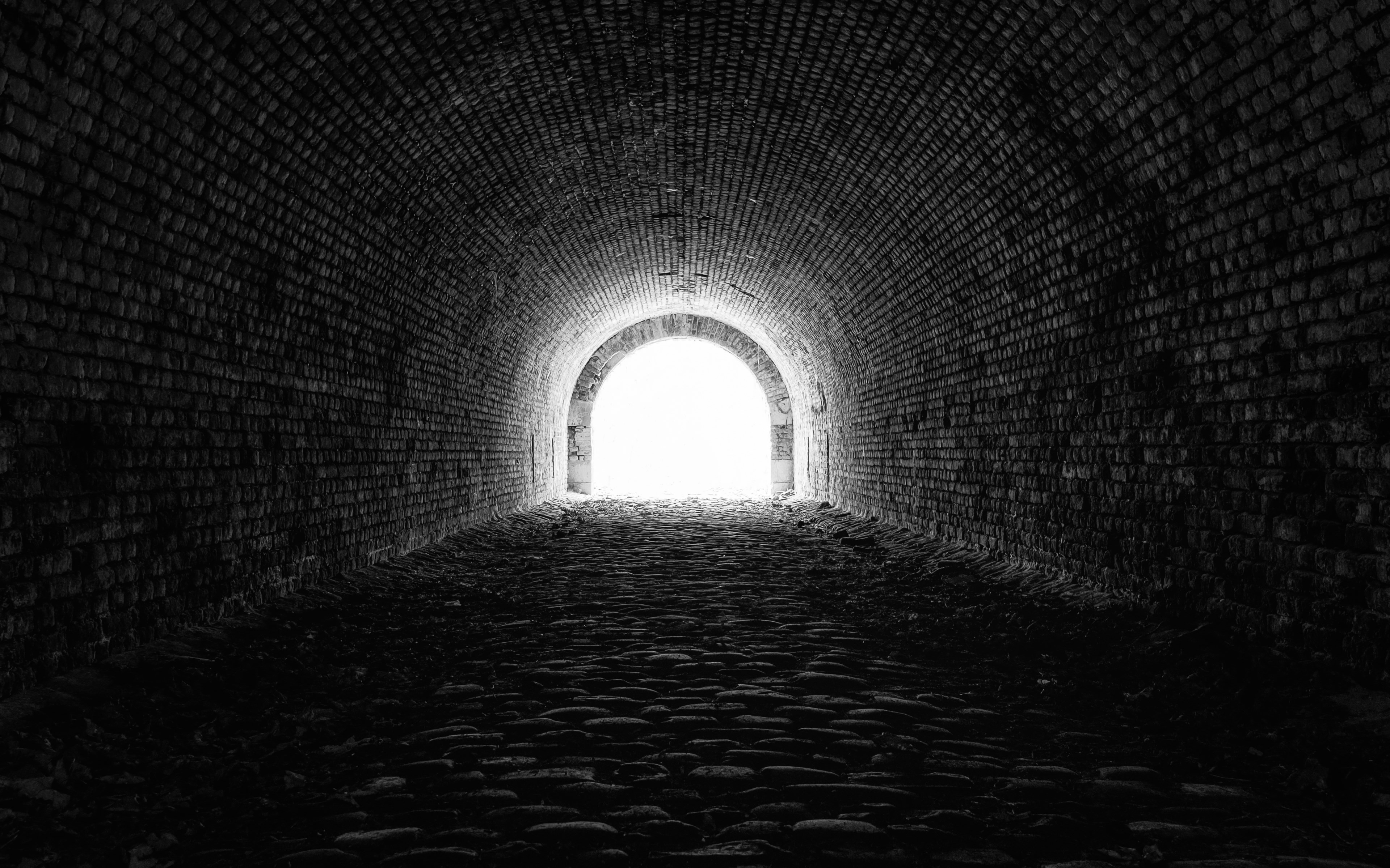 Light at the end of the tunnel wallpaper 3840x2400