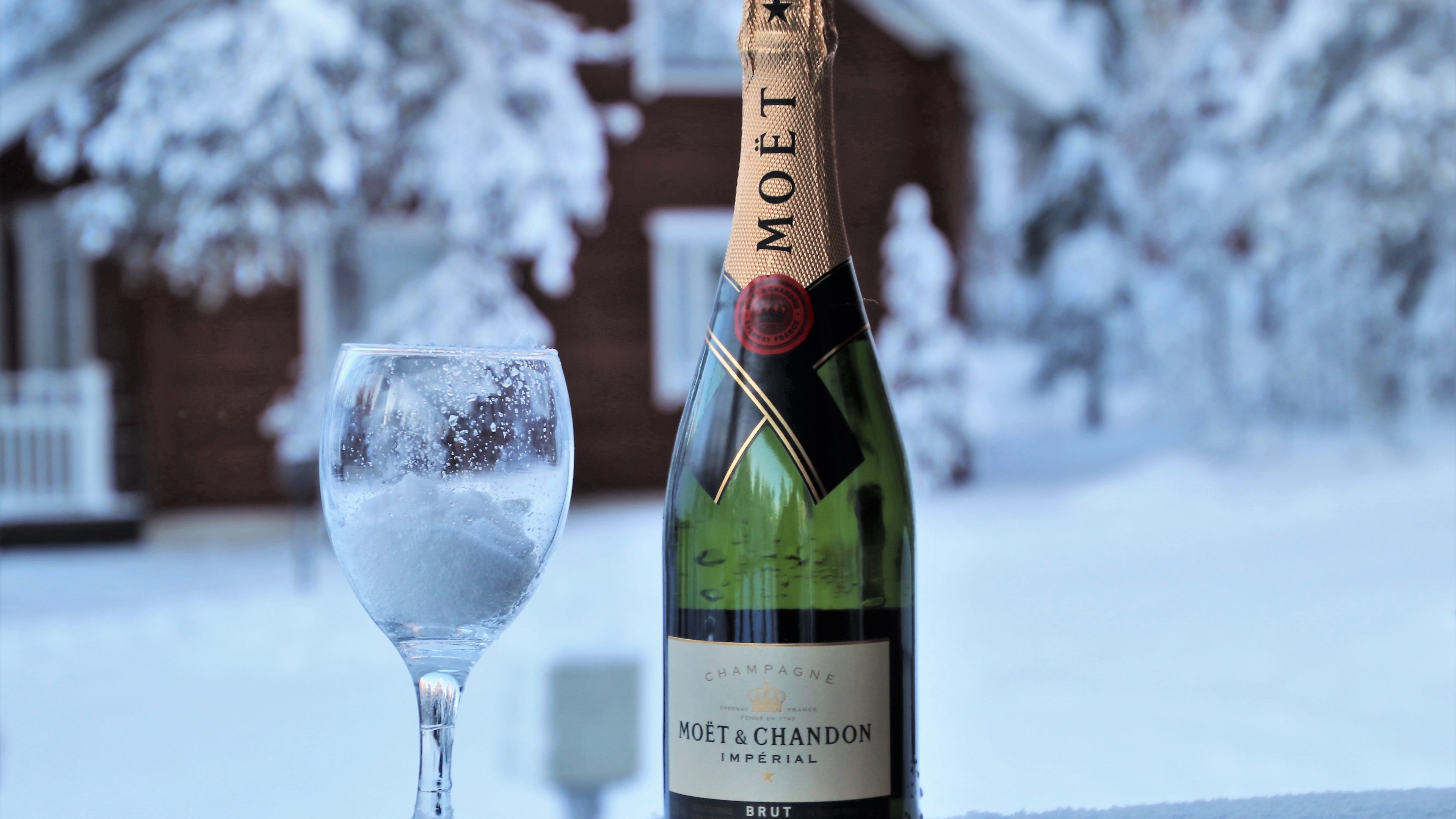Moet champagne | 3840x2160 wallpaper