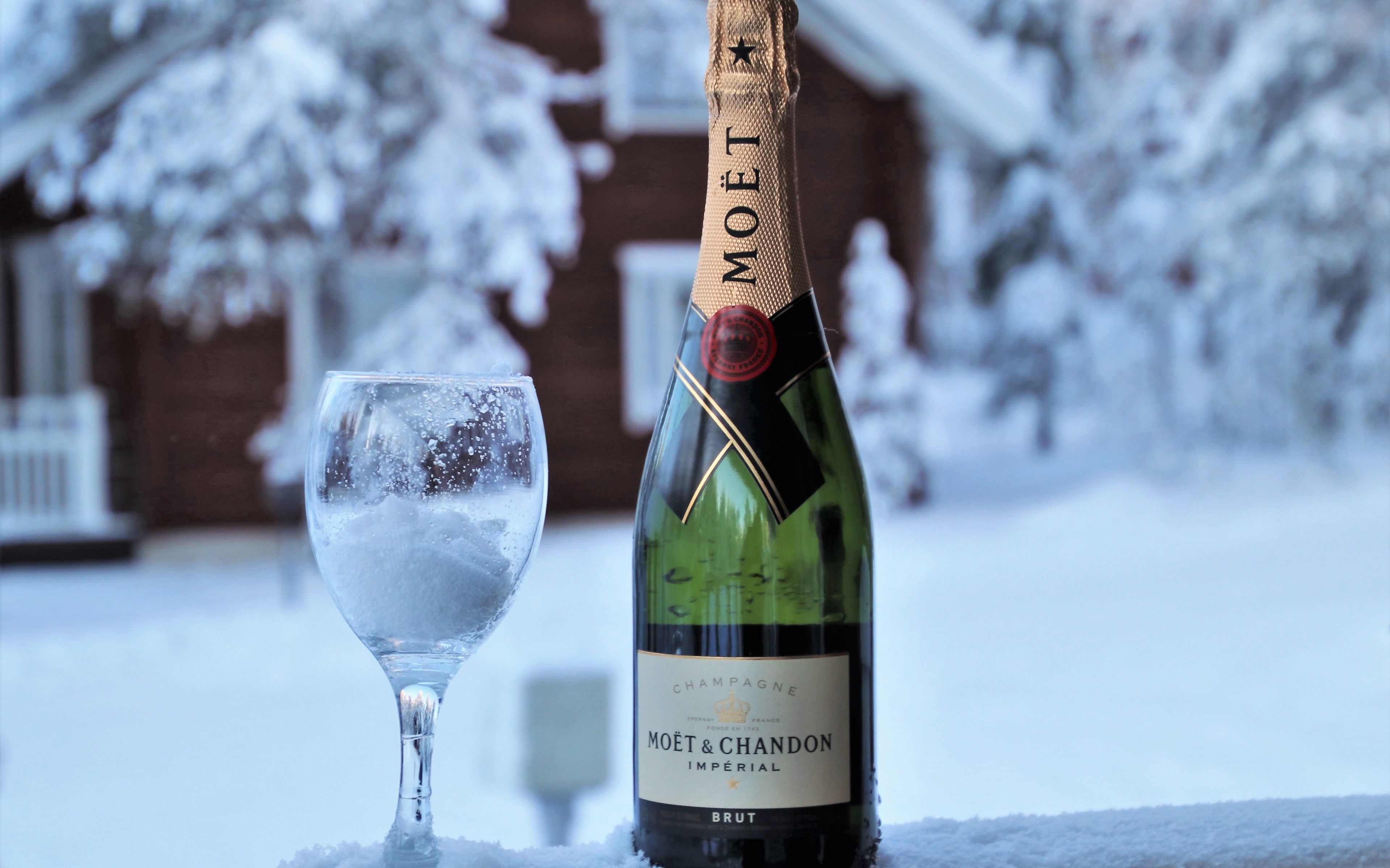 Moet champagne wallpaper 3840x2400
