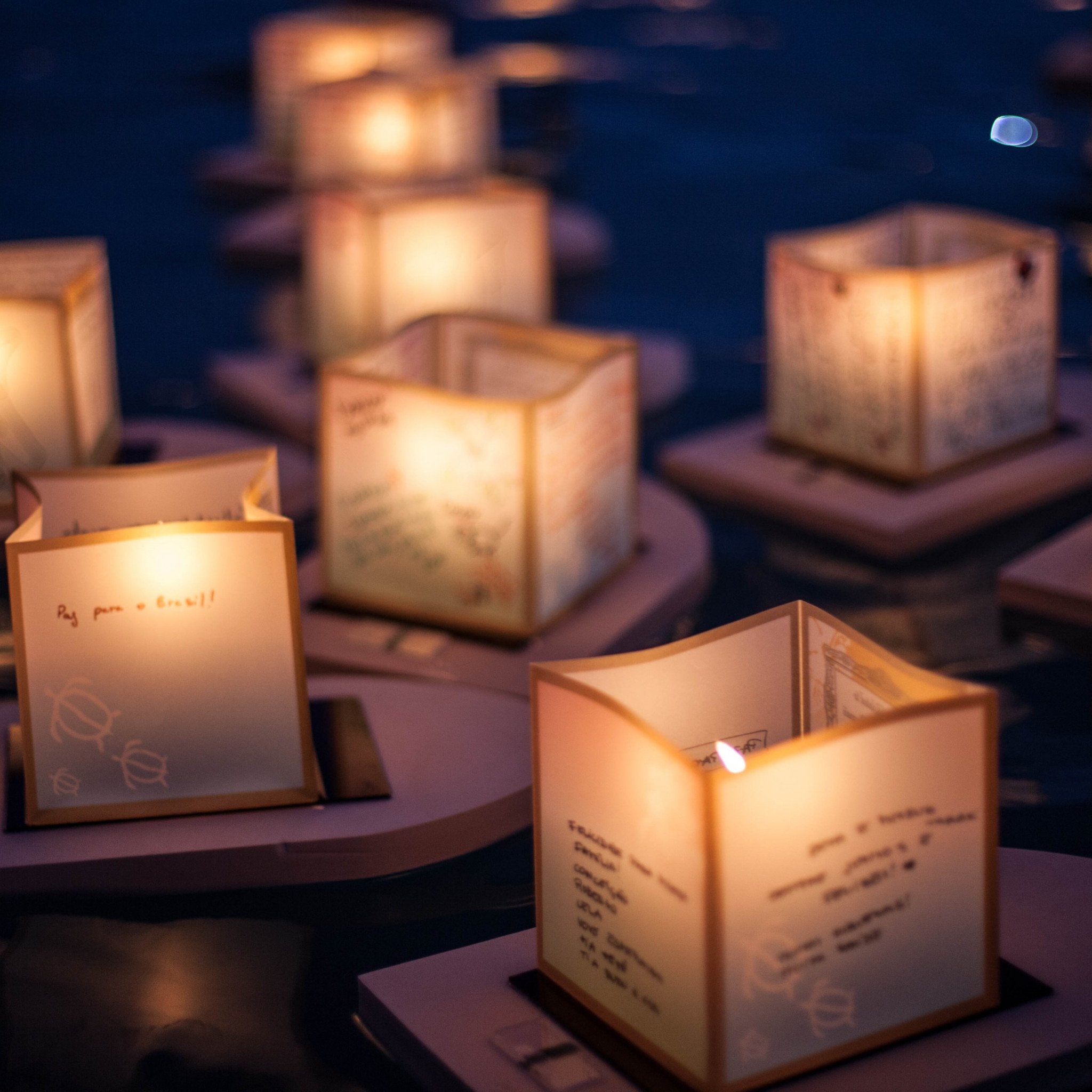 The Lantern Floating Ceremony wallpaper 2048x2048