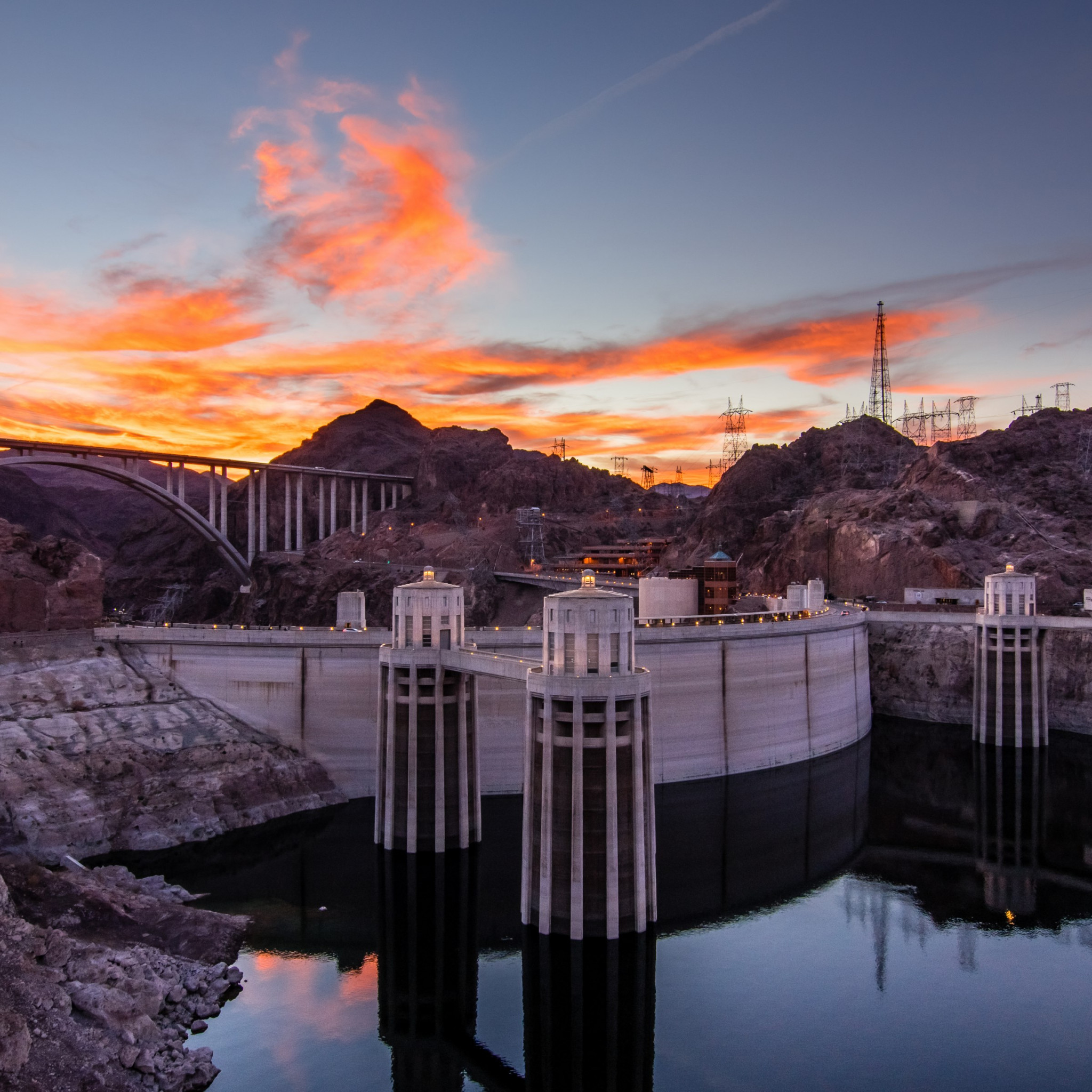 Hoover Dam at sunset wallpaper 2048x2048
