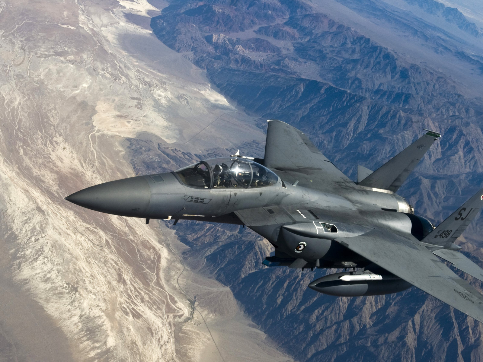 F 15 Strike Eagle wallpaper 1600x1200