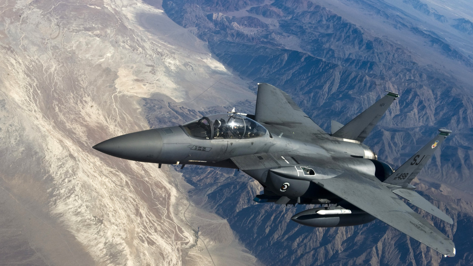 F 15 Strike Eagle wallpaper 1600x900