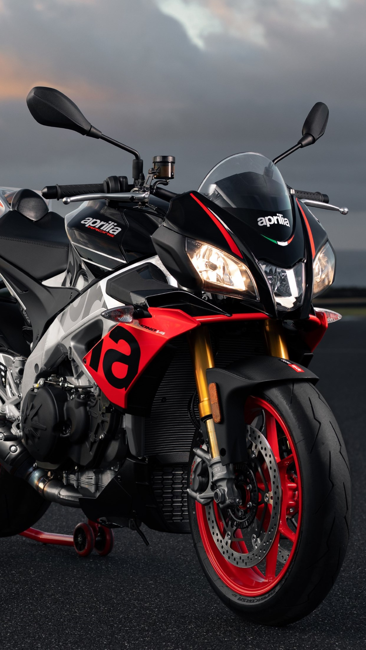 Aprilia Tuono V4 1100 Factory wallpaper 1242x2208