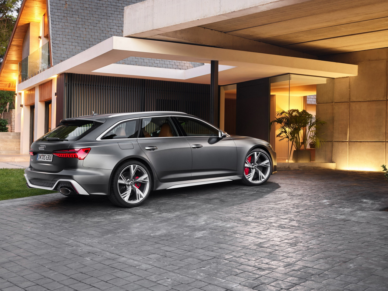 Audi RS 6 Avant wallpaper 1280x960