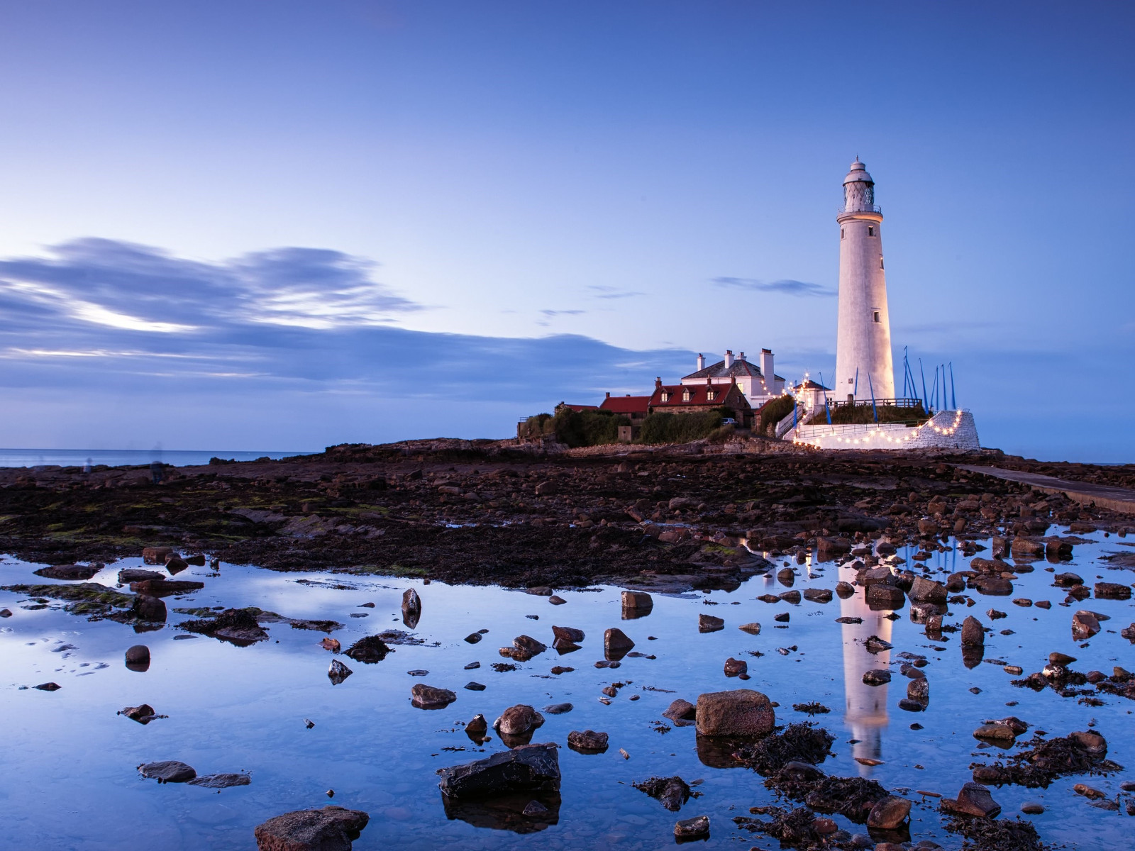 Saint Mary's lighthouse wallpaper 1600x1200