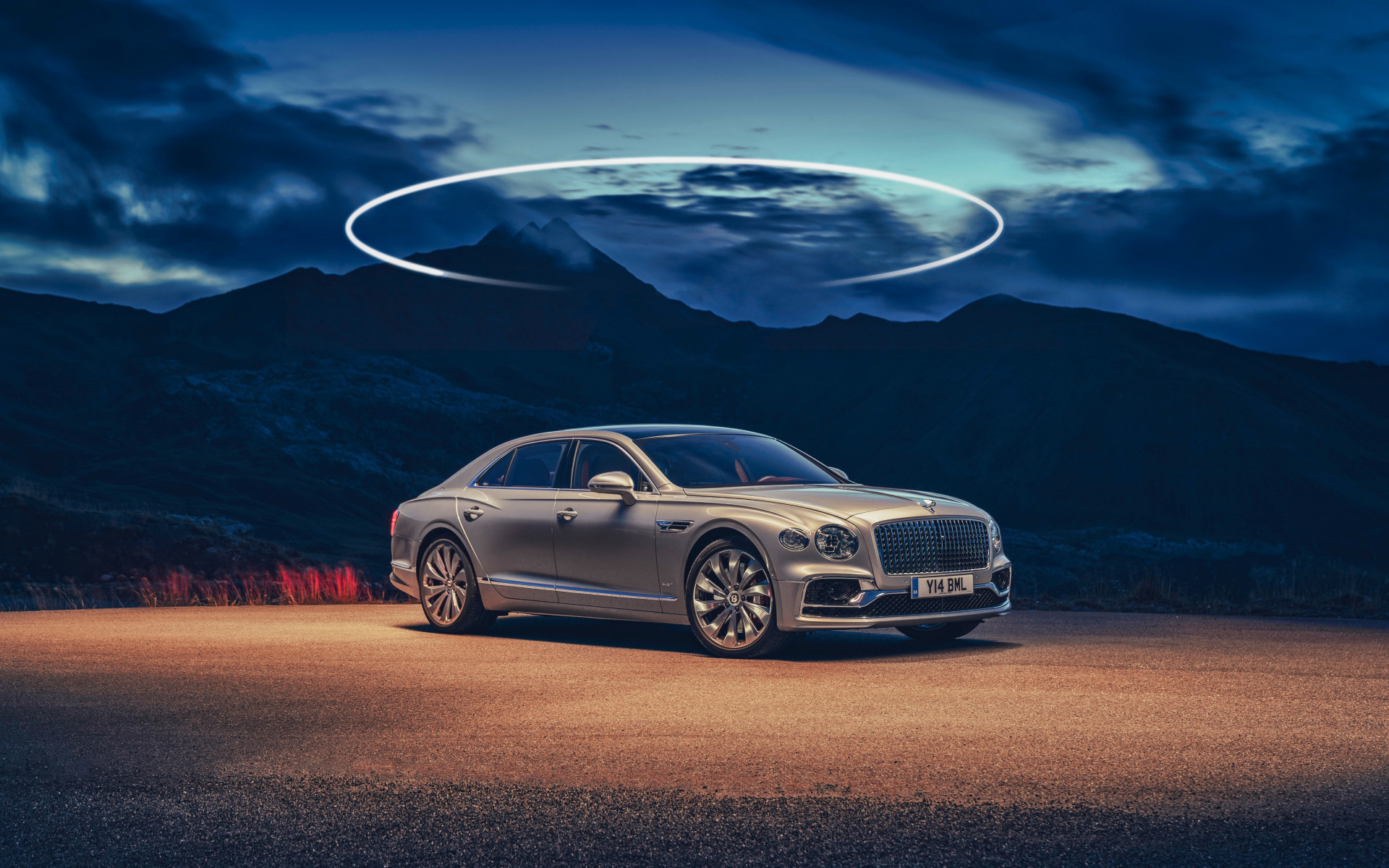 Bentley Flying Spur wallpaper 1920x1200