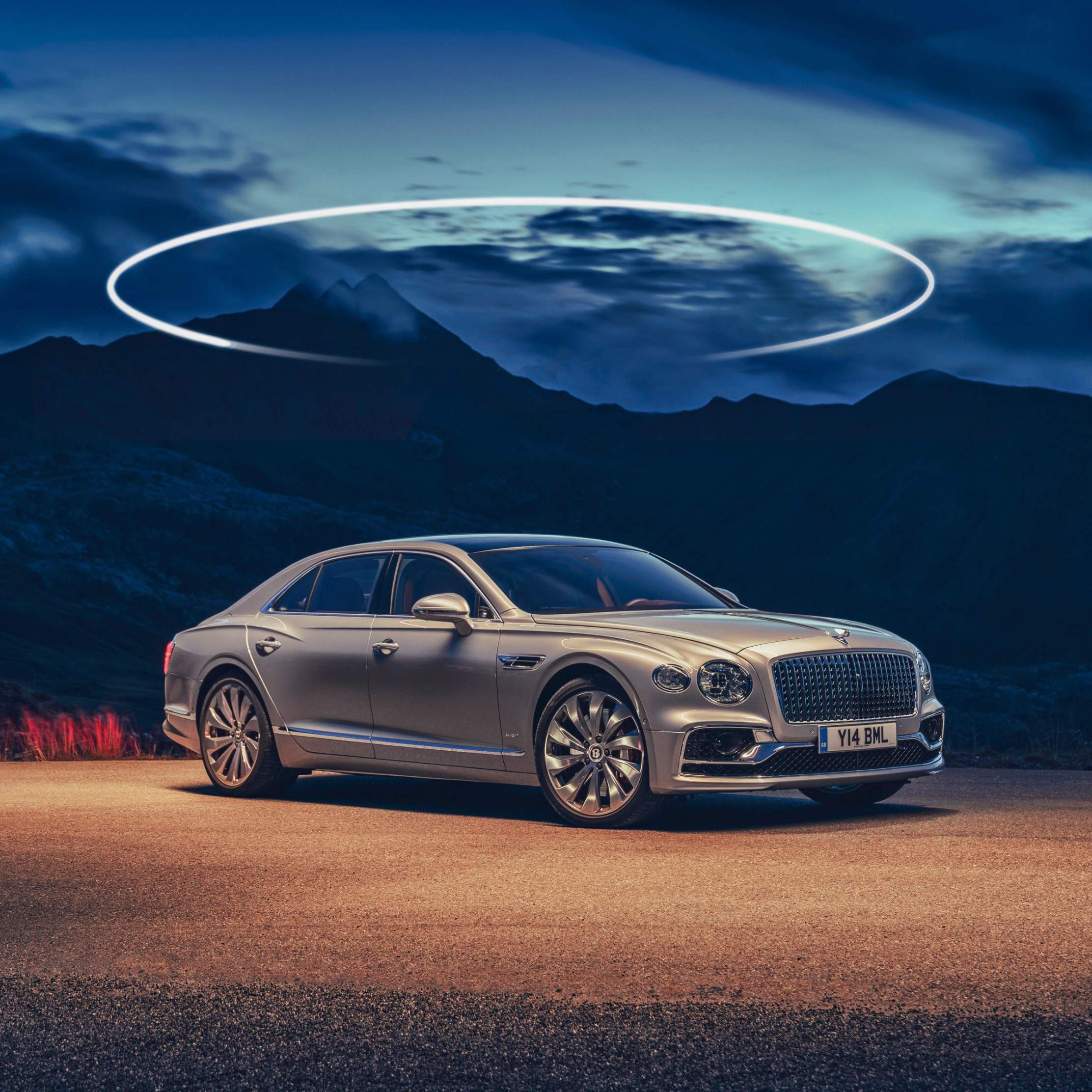 Bentley Flying Spur wallpaper 2224x2224