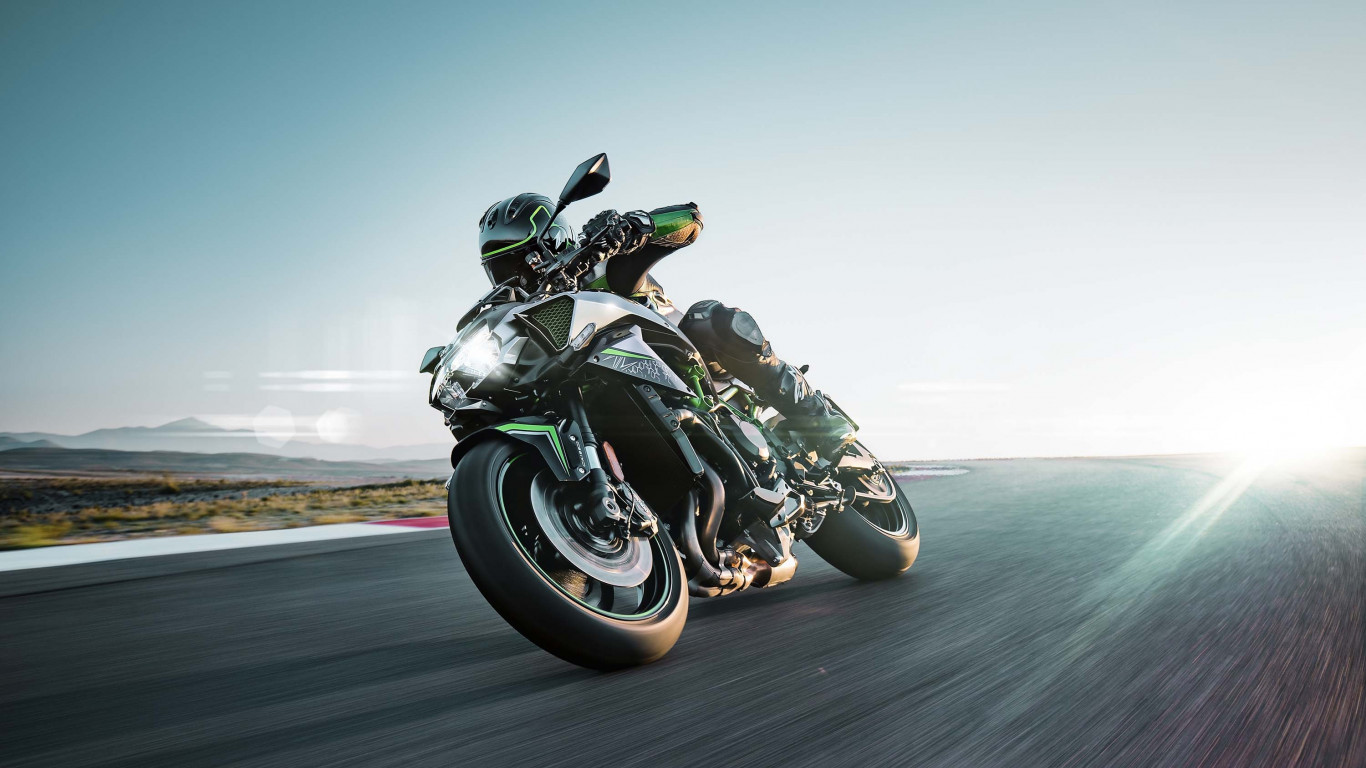 Kawasaki Z H2 wallpaper 1366x768