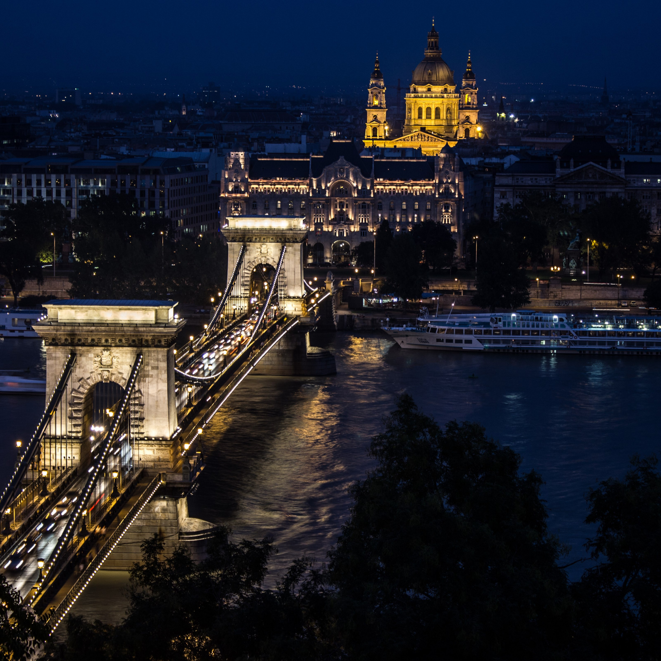 Budapest by Night wallpaper 2224x2224