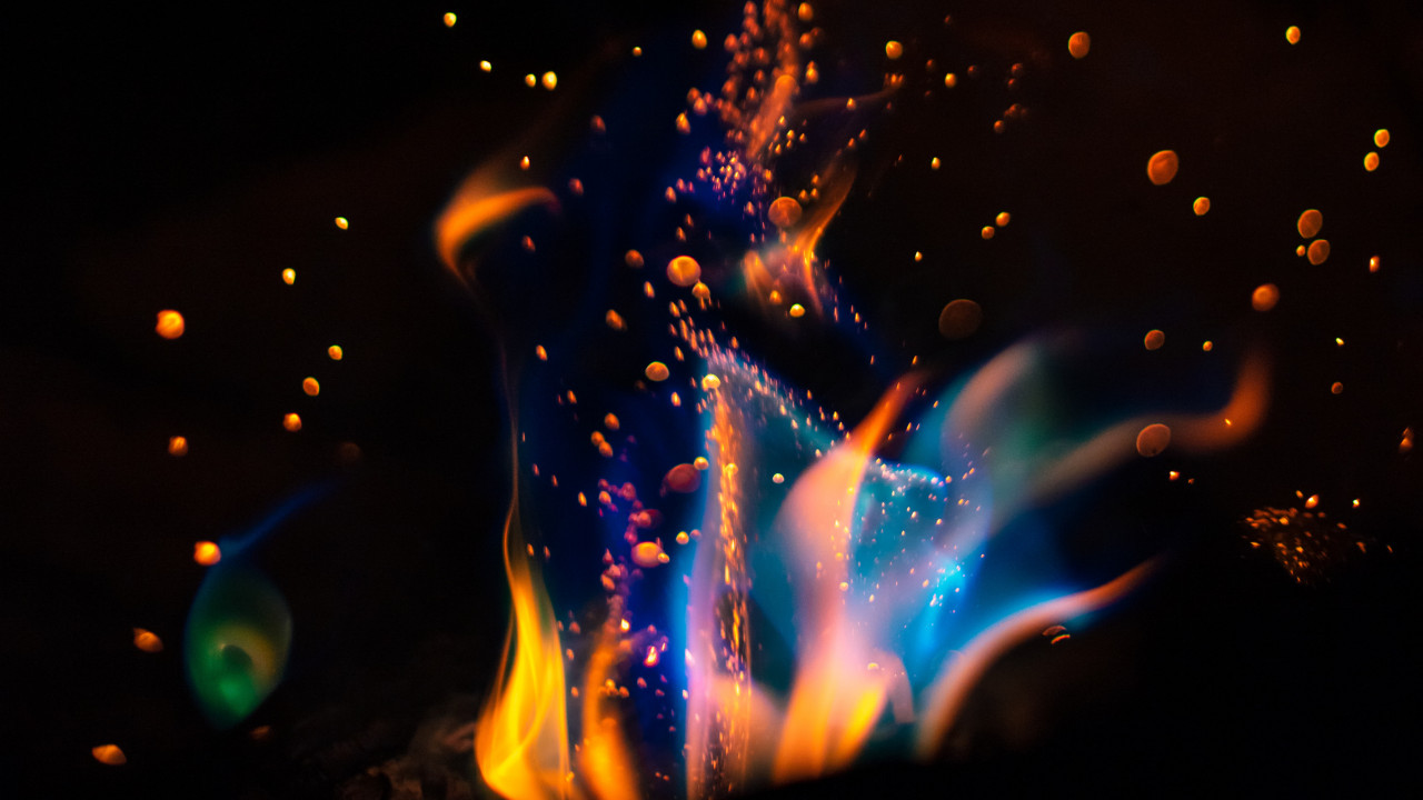 Hot flames in darkness wallpaper 1280x720
