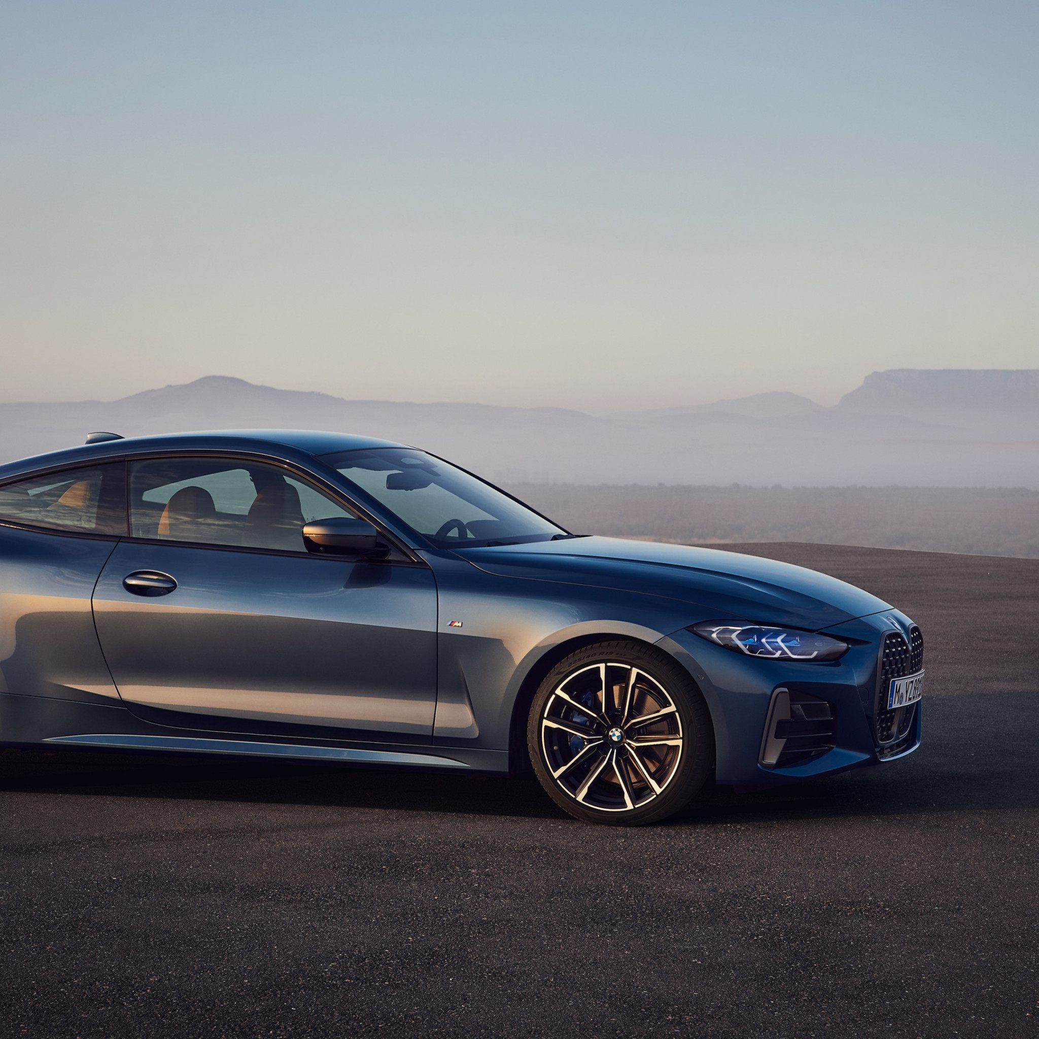 BMW 4 Series Hybrid wallpaper 2048x2048