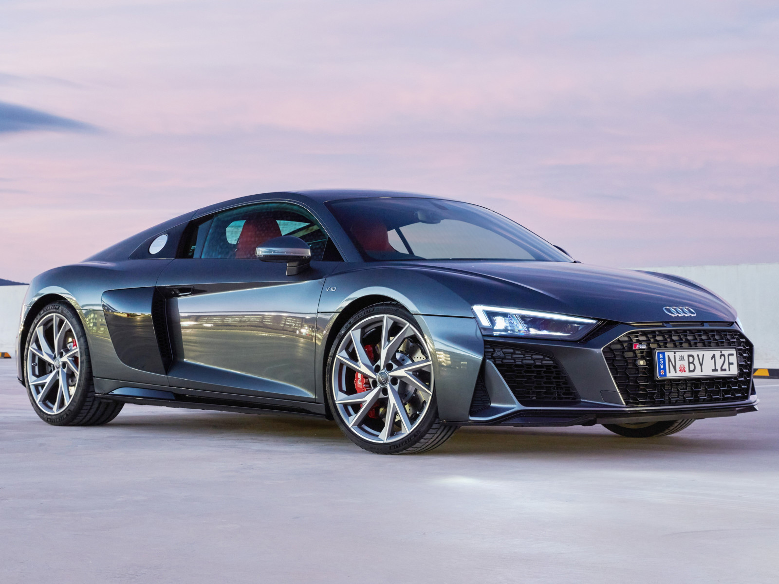 Audi R8 V10 RWD Coupe wallpaper 1600x1200