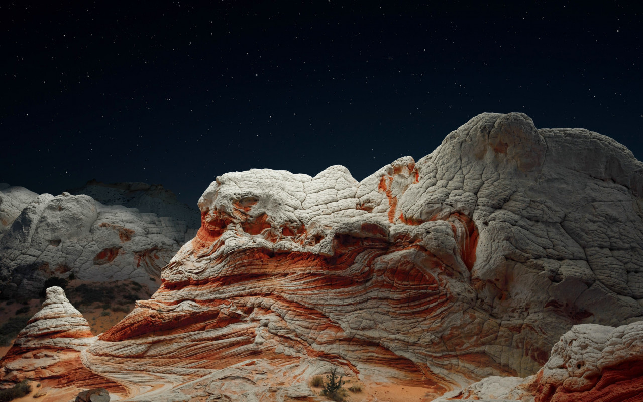 The night sky and desert valley wallpaper 1280x800