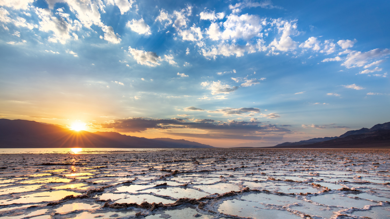 Salt Lakes wallpaper 1600x900